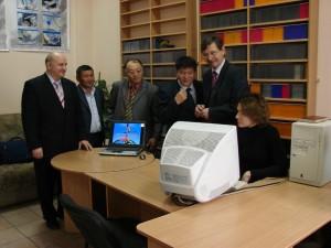 Ректор Ховдского государственного университета (Монголия) профессор Ж. Ванчинхуу в Центре космического мониторинга АлтГУ